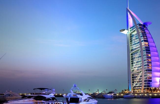Dubai Peregrines: Peace and Politics in the Muslim Regions